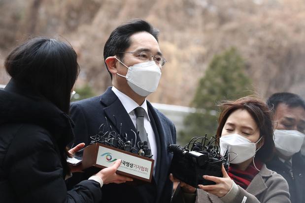 Le directeur de Samsung autorisé à sortir de prison sous prétexte qu'il est 'trop important'