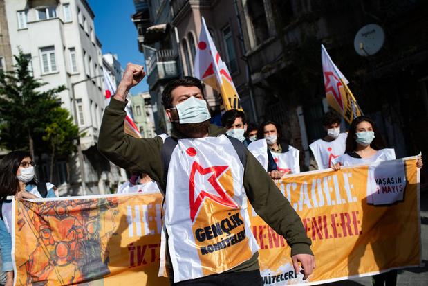 Tientallen arrestaties bij protestmarsen in Istanboel