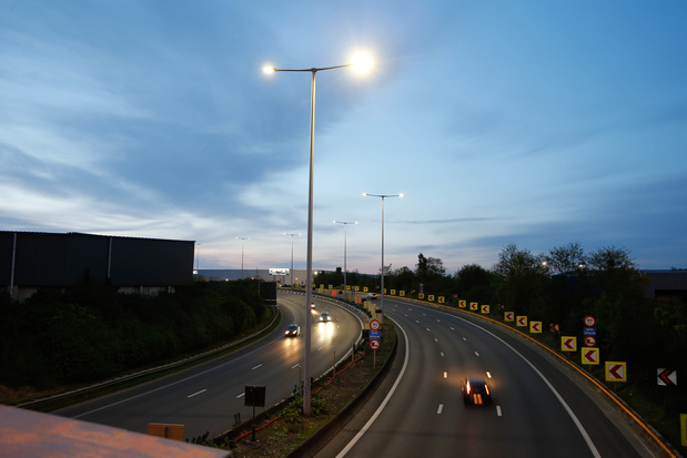 Bientôt un éclairage adaptatif en temps réel sur les autoroutes wallonnes