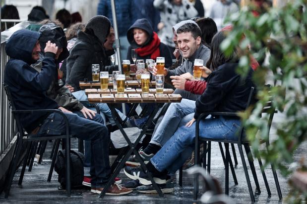 La Belgique a rouvert ses terrasses, entre excitation et appréhension