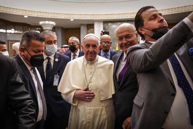 Paus Franciscus ontmoet sjiitische grootayatollah Ali Sistani in Irak