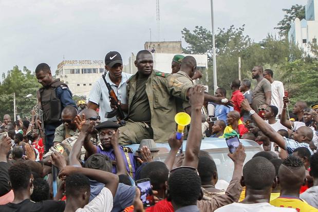 Coup d'état au Mali: le président Keïta démissionne et annonce la dissolution du gouvernement