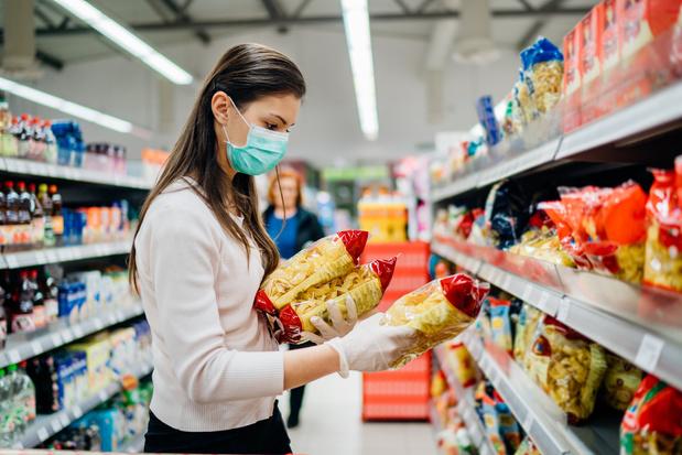 Supermarkten verkopen vanaf dinsdag mondmaskers