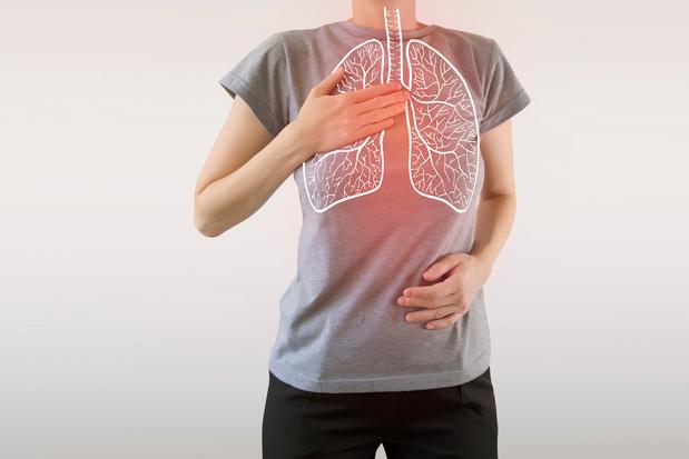 Covid-19: veel jongeren met pneumonie