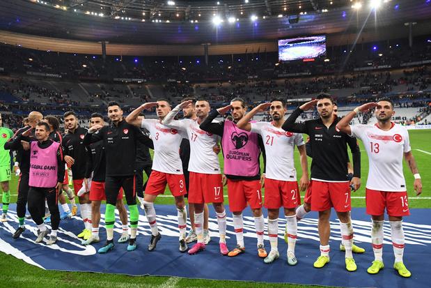 Saluts militaires: l'UEFA ouvre une enquête disciplinaire contre la Turquie