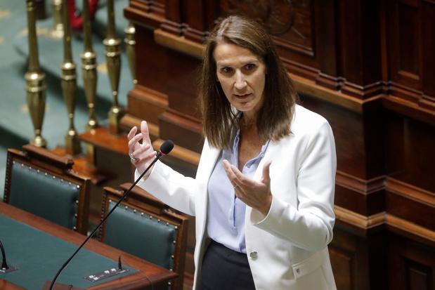 """La majorité Vivaldi soutient Sophie Wilmès à la Chambre: """"Le camp du progrès contre celui du blocage"""""""