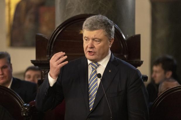 En Ukraine, menacé d'une cinglante défaite, Porochenko demande une seconde chance