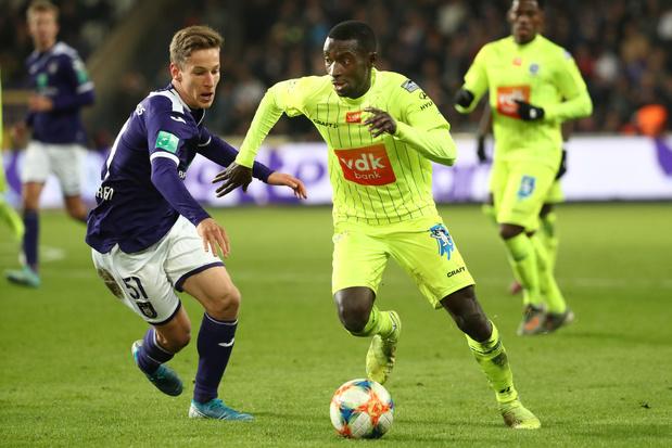 Clubnieuws: Beerschot wil Japans international, nieuwkomer in de basis bij Anderlecht en slecht nieuws voor enkele Gent-spelers