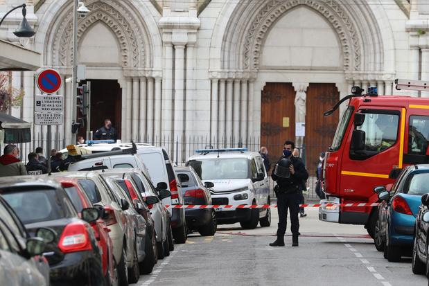 """Attaque à Nice: le plan vigipirate porté au niveau """"urgence attentat"""" en France"""