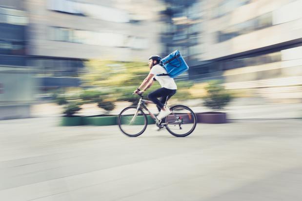 Des médicaments livrés gratuitement à vélo pendant la crise du coronavirus