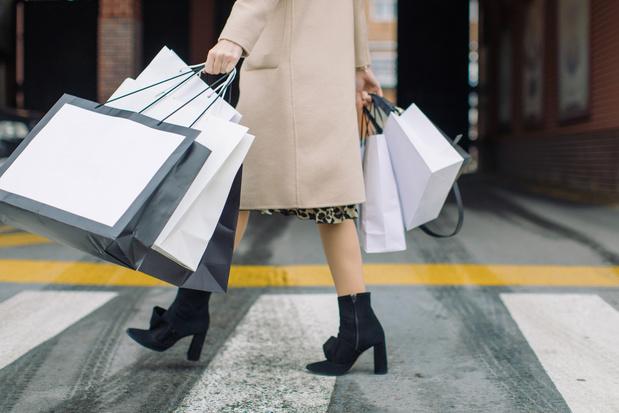 Van soldenjagen tot duurzaam kopen: zo shopt de Belgische vrouw