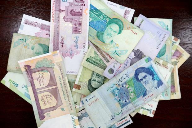 L'Iran, touché par les sanctions, enlève des zéros au rial et renomme sa monnaie