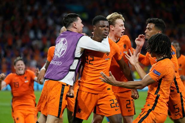 Nederland wint na knotsgekke tweede helft van Oekraïne: 3-2