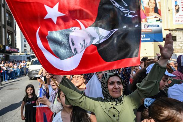Inwoners van Istanbul voor tweede keer naar de stembus: 'Vorige verkiezingen waren 1 aprilgrap voor AKP'