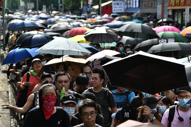 Hong Kong: des manifestants affluent pour un rassemblement interdit