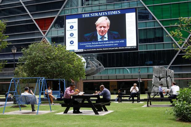 Boris Johnson a reçu de l'oxygène mais n'est pas placé sous respirateur