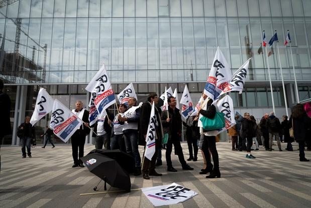 Suicides à France Télécom: l'entreprise et ses ex-dirigeants face à la justice