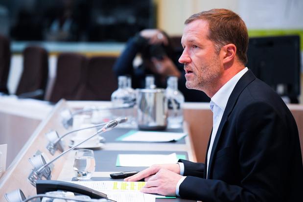 Formation fédérale: Paul Magnette discute cadre budgétaire avec Pierre Moscovici