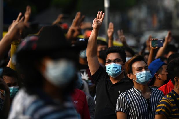 Arrestations, communications coupées: la Birmanie renoue avec les pages sombres de son histoire
