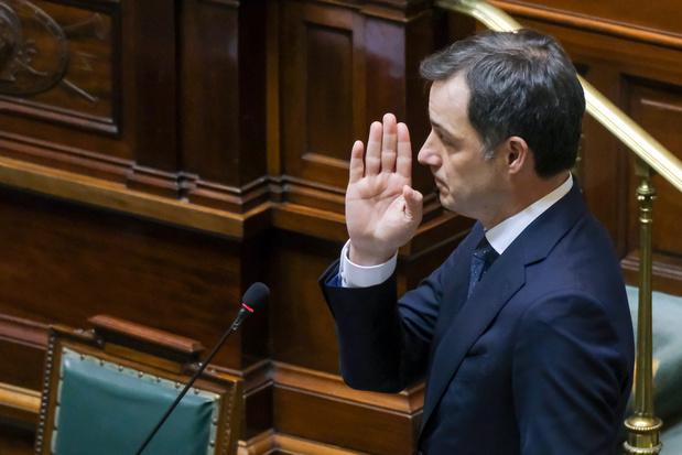 """Covid: le gouvernement prépare un """"plan plein air"""" pour assouplir les mesures"""