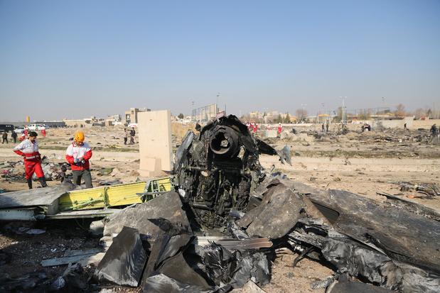 Crash d'un Boeing 737 en Iran: l'avion était-il en flammes avant de s'écraser? (VIDEO)