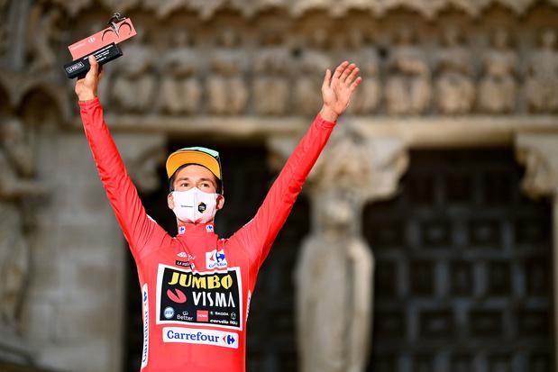 Roglic zet favorietenstatus meteen in de verf en wint openingstijdrit Vuelta