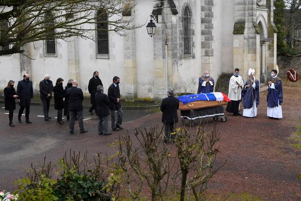 Les obsèques de l'ex-président Giscard d'Estaing ont lieu dans l'intimité