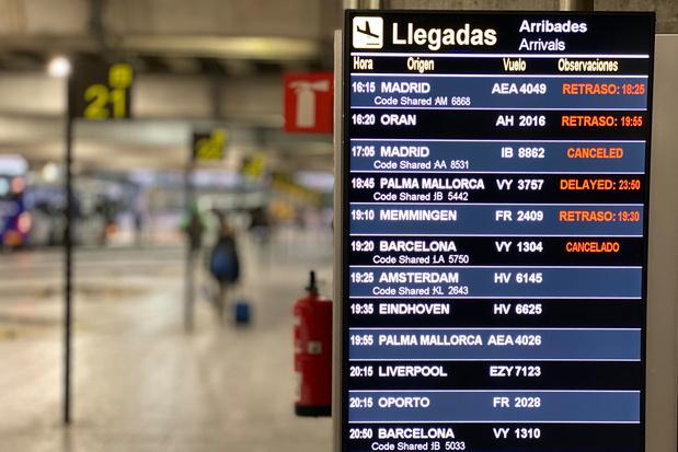 Deuxième jour de fermeture d'un des aéroports les plus fréquentés d'Espagne