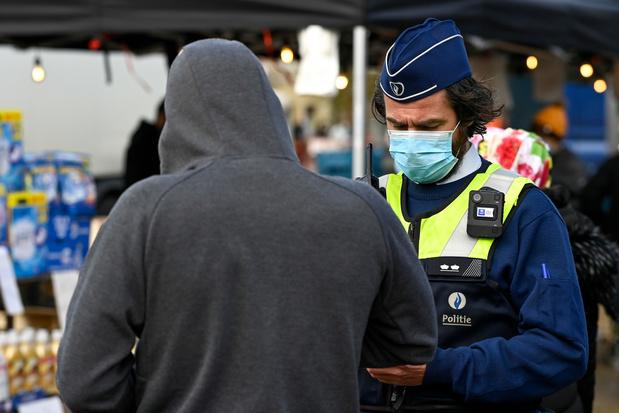 """Covid: la police met fin à plusieurs """"fêtes de confinement"""" à Anvers"""