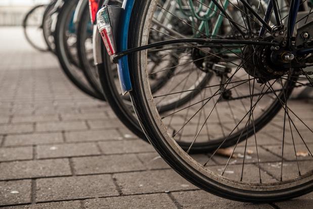 NMBS overweegt om fietsparkings betalend te maken
