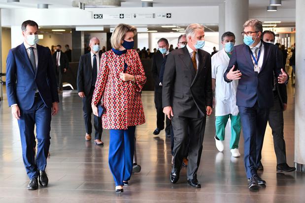 Le couple royal a visité les deux hôpitaux d'Alost