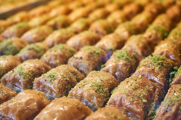 Baklava met walnoten, pistaches en abrikozen