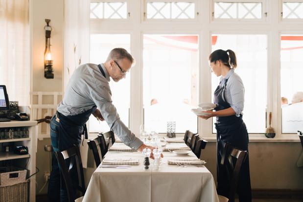 Trois quarts des personnes occupées dans les restaurants sont salariées