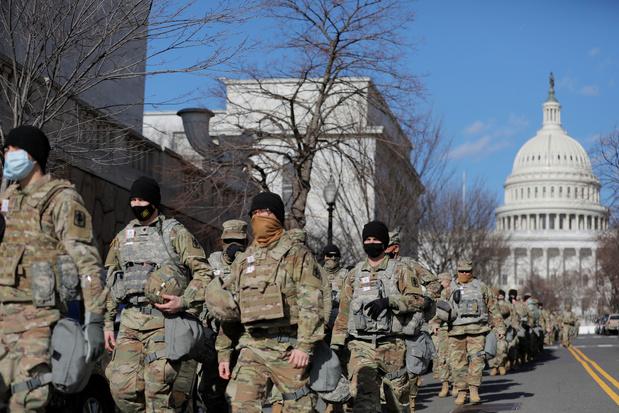 Eedaflegging Biden: 12 leden van Nationale Garde geweerd, sommige wegens banden met extreemrechts