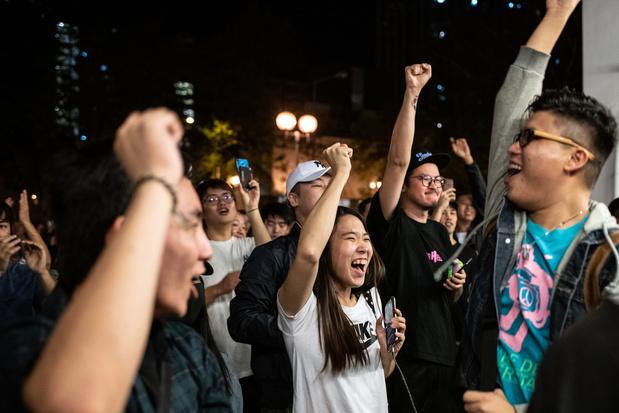 Verkiezingen Hongkong: Pro-democratisch kamp veegt de vloer aan met pro-Pekingpartijen