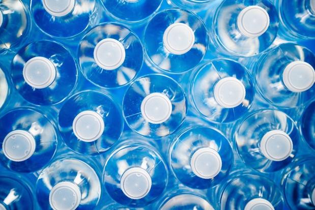 De opmerkelijke ontstaansgeschiedenis van gebotteld water: van 'belachelijk' naar statussymbool