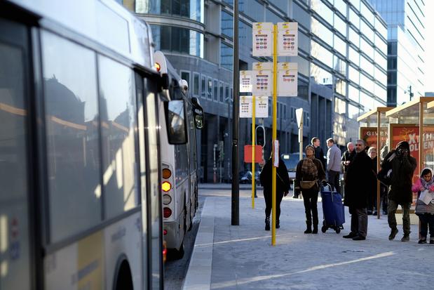De Lijn zet maximale aantal bussen in tijdens schoolspitsuren