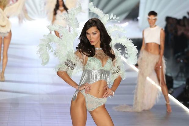 Victoria's Secret voert wereldberoemde lingerieshows af