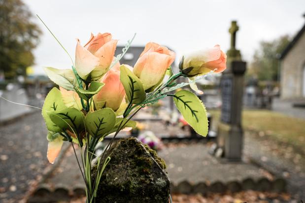 Assister à son propre enterrement pour mieux accepter la mort