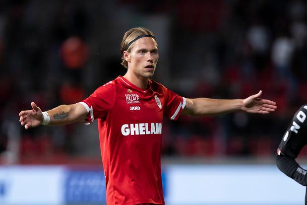 """Viktor Fischer, un ex-golden boy à l'Antwerp: """"Eden Hazard va retrouver son niveau"""""""