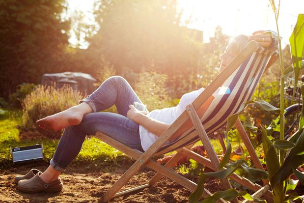 Covid-19: van de zon genieten zou het overlijdensrisico verlagen
