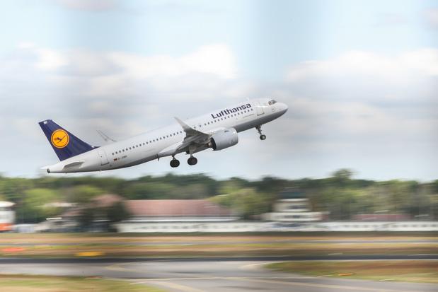 Eerste vlucht met Europese werknemers keert terug naar China