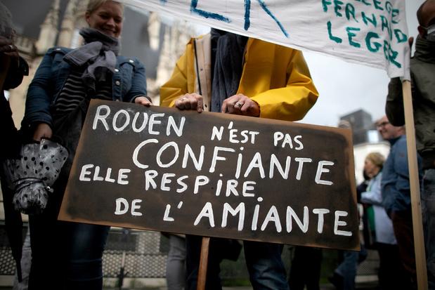 """Lubrizol: plus de 40 plaintes et une manifestation pour la """"vérité"""""""
