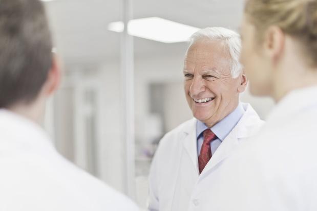 Premie voor arts die geconventioneerd en gepensioneerd is