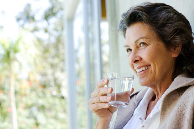 Voldoende water drinken verlaagt het risico op hartfalen