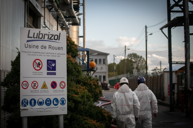 Usine Seveso à Rouen: 5.253 tonnes de produits chimiques ont été détruits dans l'incendie