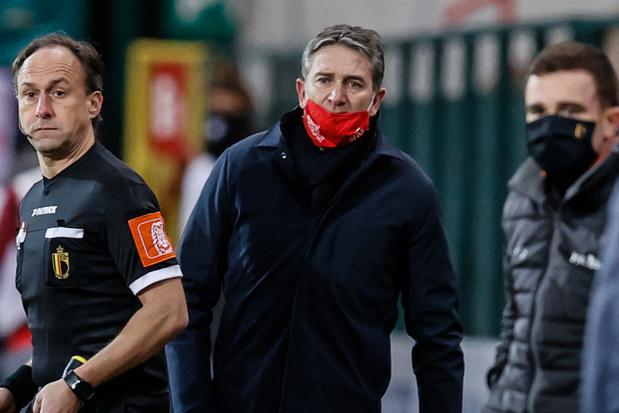 Standard ontslaat trainer Montanier na vierde nederlaag op rij