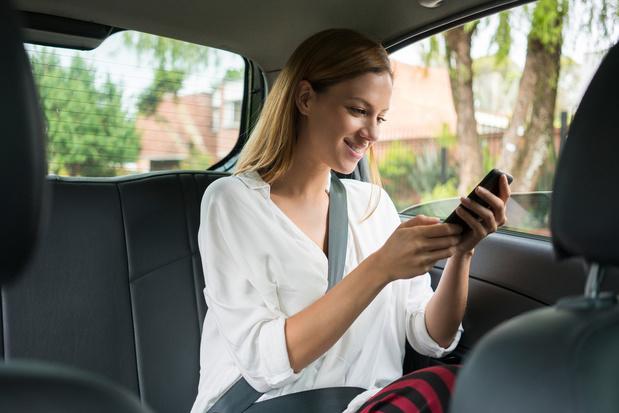 Uber offre 10.000 trajets au personnel soignant et associatif
