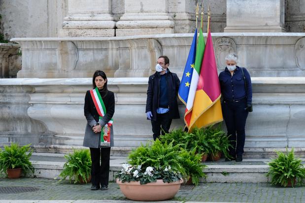 Minute de silence et drapeaux en berne en Italie