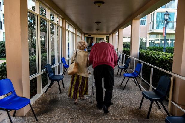 """Coronavirus : les maisons de retraite, """"bombes à retardement"""""""